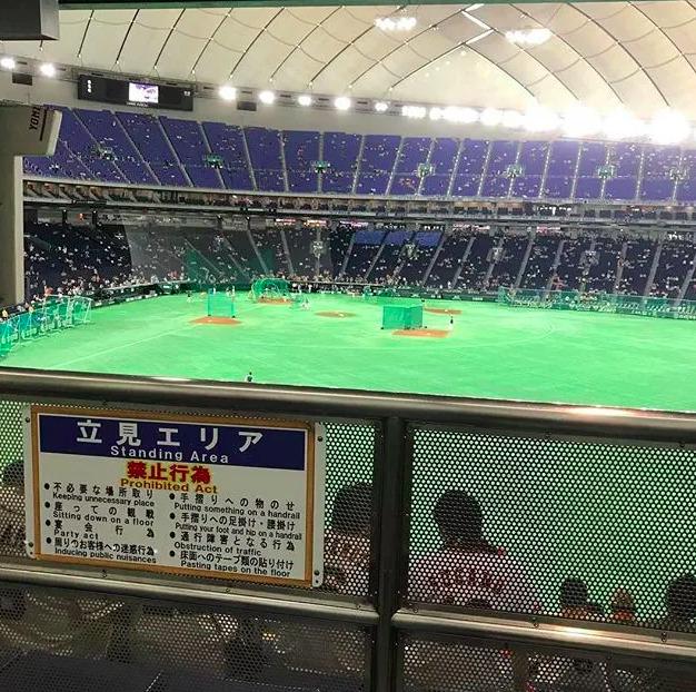 立ち見席の見え方の写真 ¥1,000